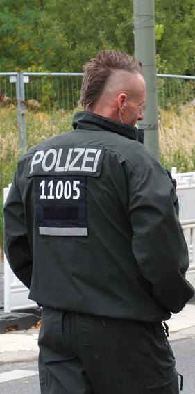 Polizei demonstriert Street Credibility auf der Demonstration
